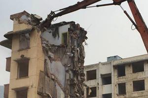 成都工业学院拆除对面1200平的厂房拆除