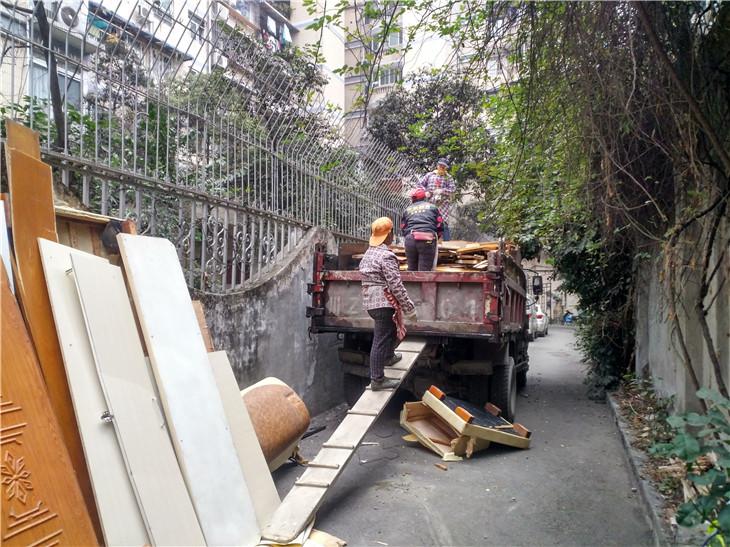 成都东安北左街37号院二手房拆除清运