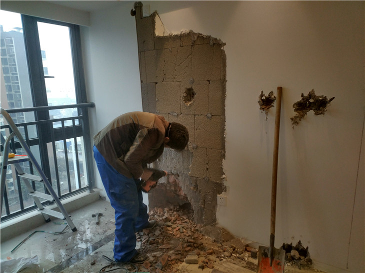 成都专业打墙成都打墙价格是多少?