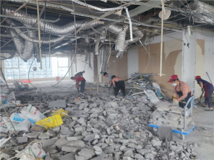 成都特拉克斯国际广场19楼拆除清运案例办公室拆除