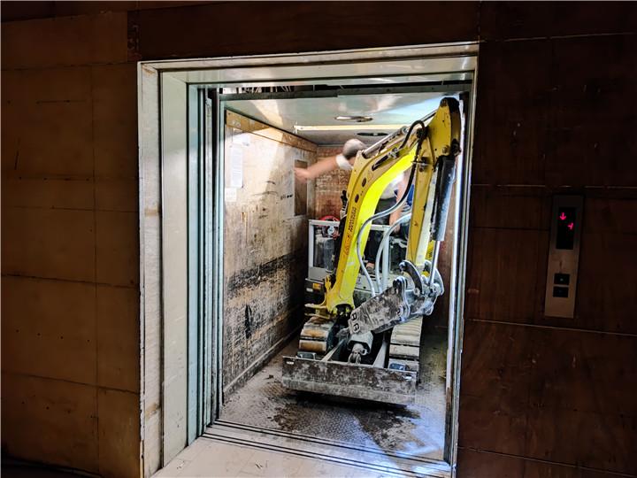 成都大型商场拆除酒店拆除公司电话微挖出租-新城市广场百盛拆除案例