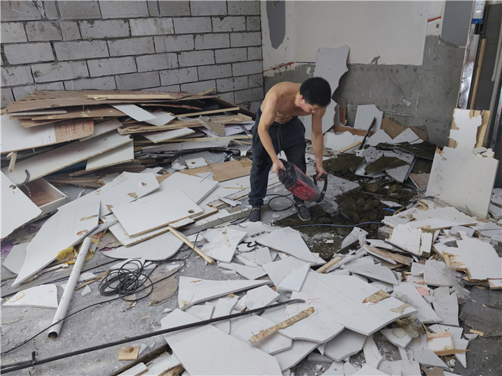 成都奶茶店拆除清运专业室内装修拆除清运sm撞色奶茶店拆除